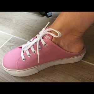 8c43169957e Skechers Shoes - 🌀SKECHERS Pink Triple Play Catcher🌀